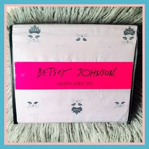 Betsey Johnson Pink Princess Kitty Cat Tiara Sheet